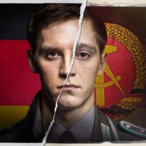 """Die international gefeierte achtteilige RTL-Event-Serie """"Deutschland 83"""" ist ein deutsch-deutsches Agenten-Drama der neuen Generation, angesiedelt im Jahr 1983 und damit der heiflesten Phase des Kalten Krieges. In der Hauptrolle des jungen Ost-Spions brilliert Jonas Nay (Foto)."""